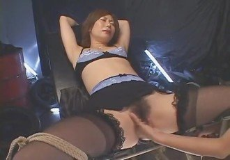 Horny Japanese whore Saki Anz in
