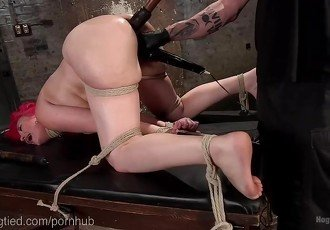 Punk Bondage Sex Kitten